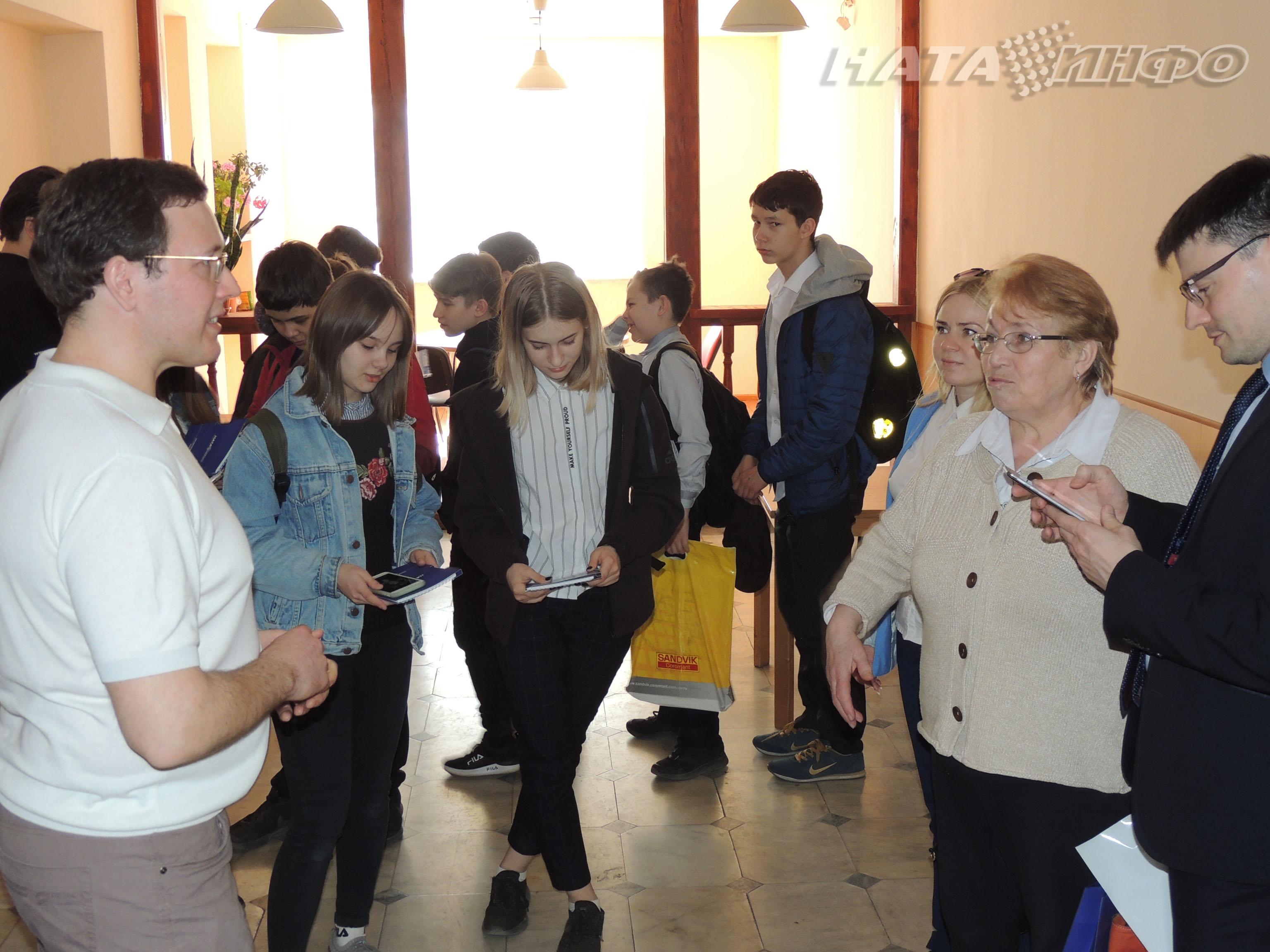 школьники Ната-Инфо светодиодный экран Йошкар-Ола